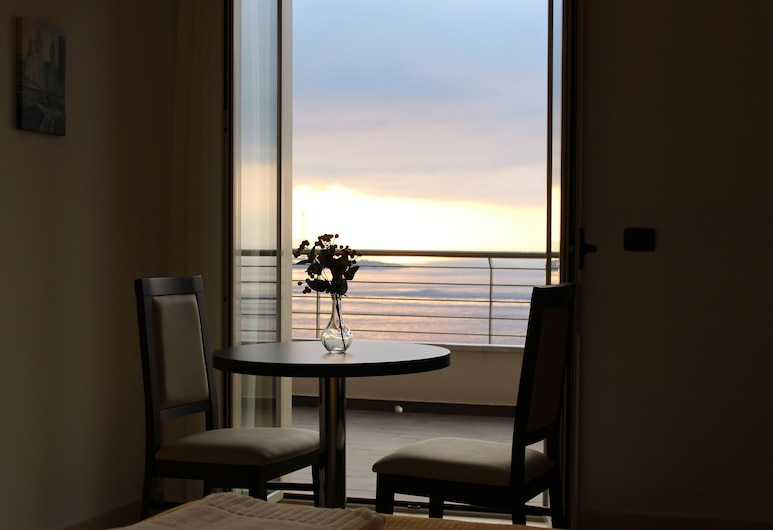 Miramare Scilla GYH Luxury, Scilla, Kamar Triple, pemandangan samudra, Pemandangan Balkon