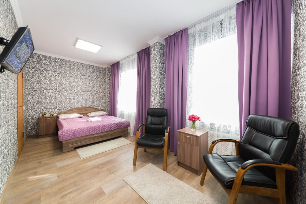 Luksuzna četverokrevetna soba, 1 king size krevet i kauč na rasklapanje - Izdvojena fotografija