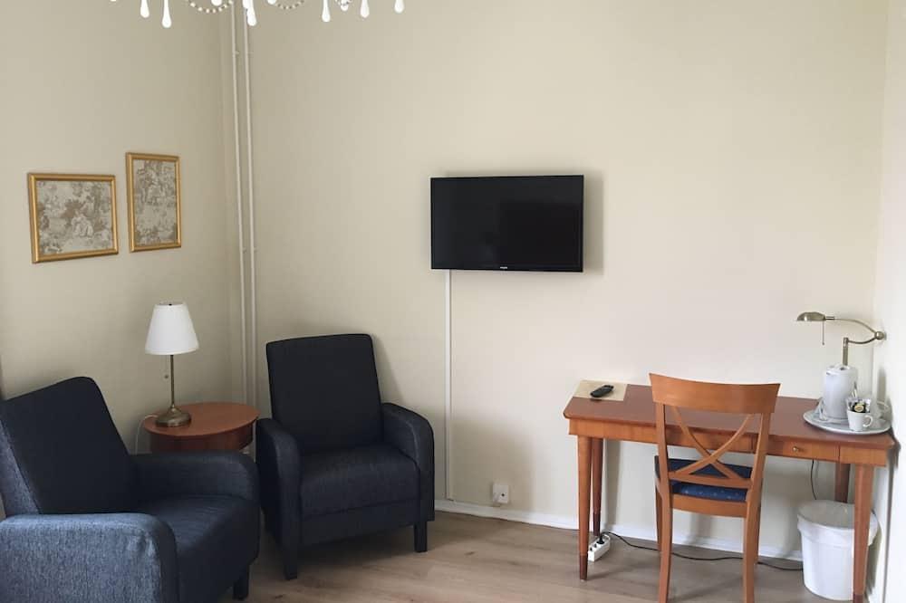 Standard Twin Room, Private Bathroom - Living Area