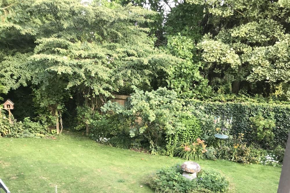 Dvojlôžková izba, výhľad na záhradu - Výhľad na záhradu