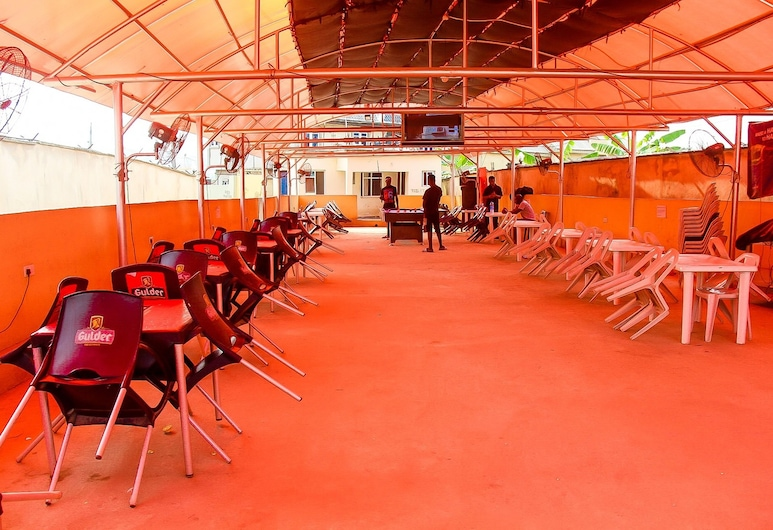 伊卡布旅館奈及利亞有限飯店, 拉各斯, 飯店內酒吧