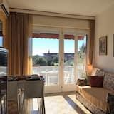 Club Apartment, 1 Bedroom, Lake View, Lakeside - Living Room