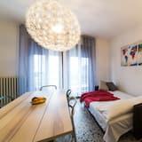 Classic Apartment, 2 Bedrooms - Living Area