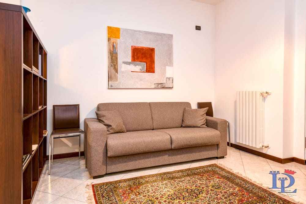 City Apartment, 2 Bedrooms, Kitchen - Living Room