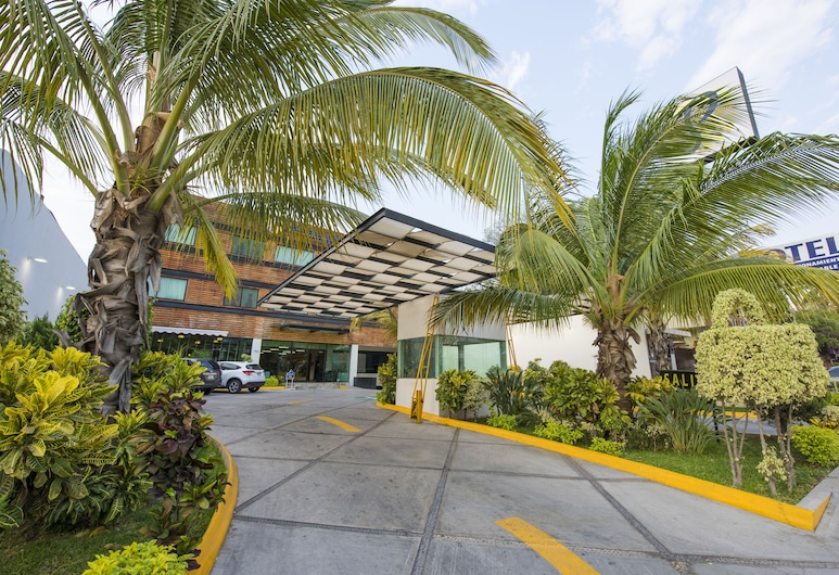 Hotel Andiroba Palace, Tuxtla Gutierrez, Hotel Entrance