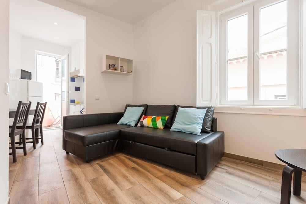 Standard Duplex, 1 Bedroom - Living Area