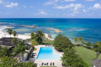 Picture of Nianna Coral Bay Stunning Townhouse- 5 in Montego Bay