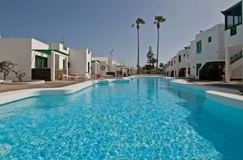 Picture of Pool & Relax close to the Beach in Tias