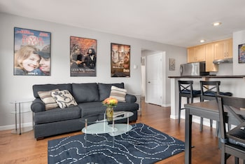 Picture of Seattle Vacation Home: Thomas Lodge Boston in Seattle