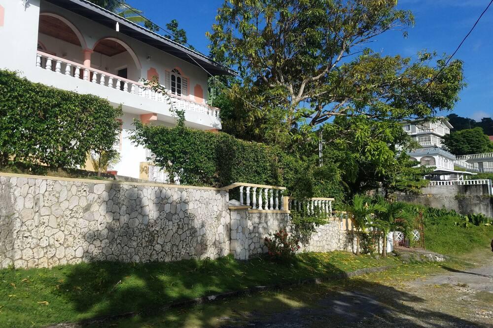 The Cozy Family Inn Guesthouse, Port Antonio