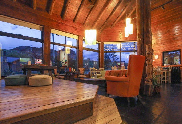Kaulem Hosteria, El Chalten, Cabin, 1 Queen Bed, Kitchenette, Living Area