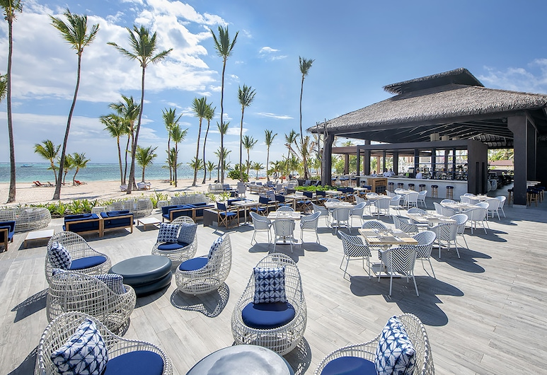 Adults Only Club at Lopesan Costa Bávaro - All Inclusive, Punta Cana, Poolbar