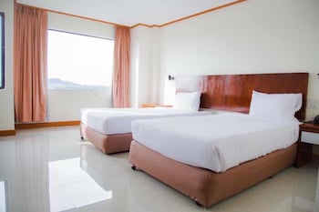 Picture of Sinkiat Thani Hotel in Satun