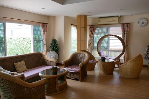 彭世洛鄉村酒店/