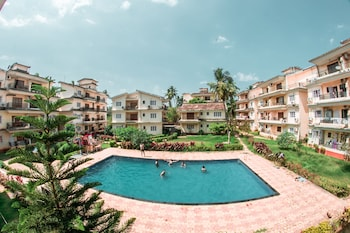 Foto Showstopper 2 BHK Pool View Apartment di Calangute