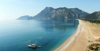Enter your dates to get the Kemer hotel deal