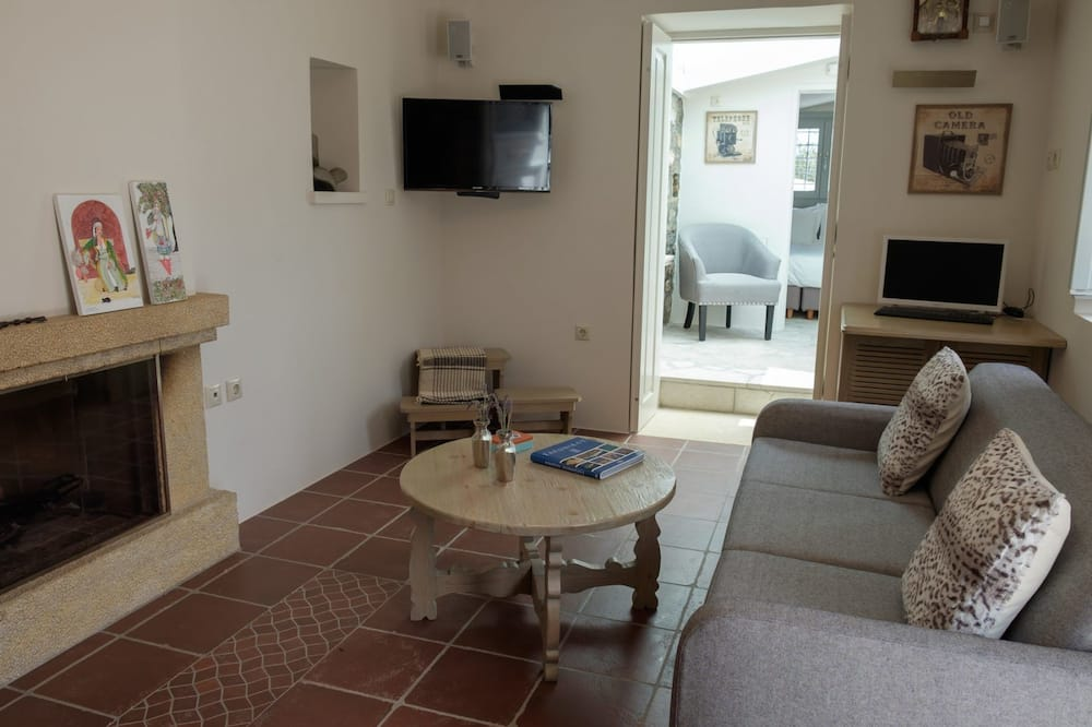 Traditional House, 2 Bedrooms - Bilik Rehat