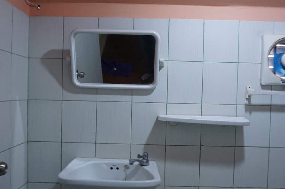 標準雙床房 - 浴室洗手台