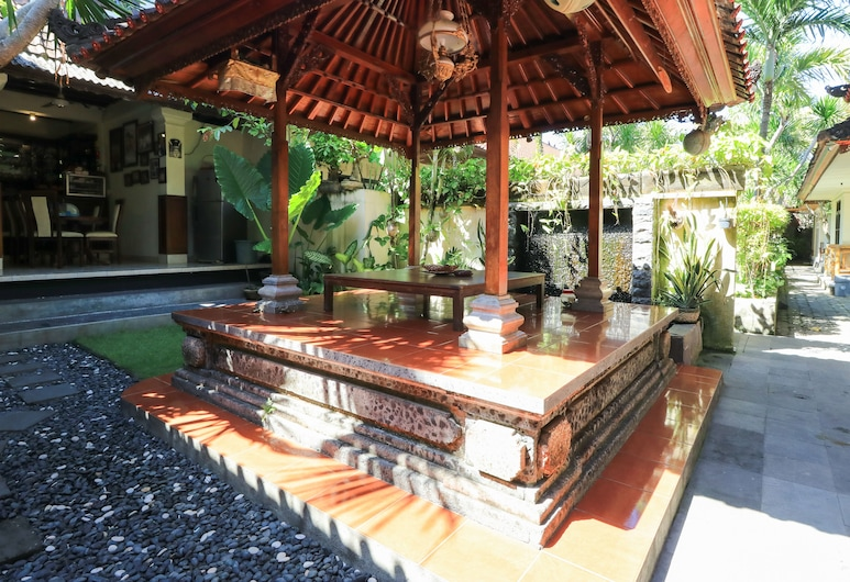 Sari Indah Cottages, Kuta, Terasa