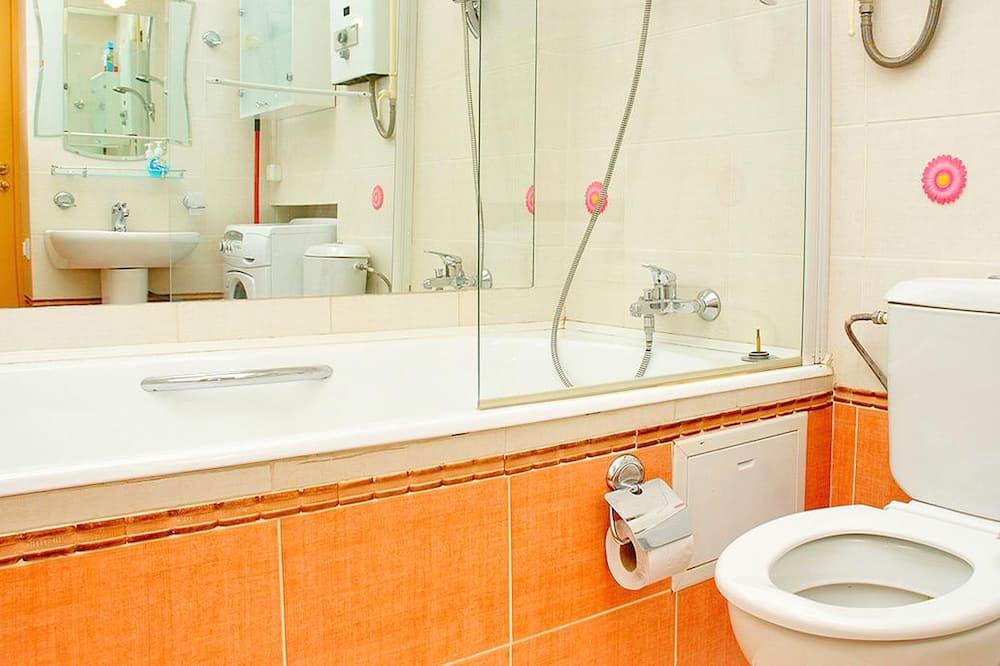 Standard Studio, 2 Bedrooms - Bathroom