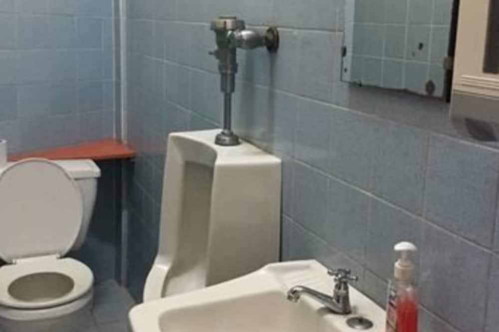 Classic Double Room, Non Smoking - Bilik mandi