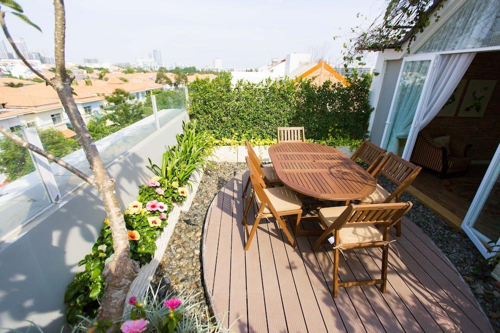 Дизайнерский пентхаус, 1 спальня, терраса - Балкон