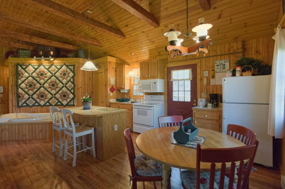 Deerfield Cottage - In-Room Dining