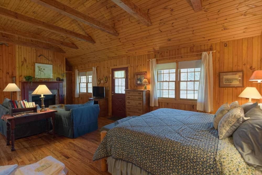 Deerfield Cottage - Living Area