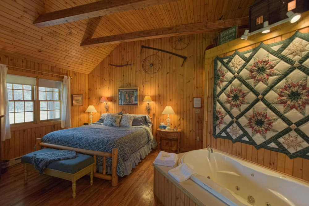 Deerfield Cottage - Jetted Tub