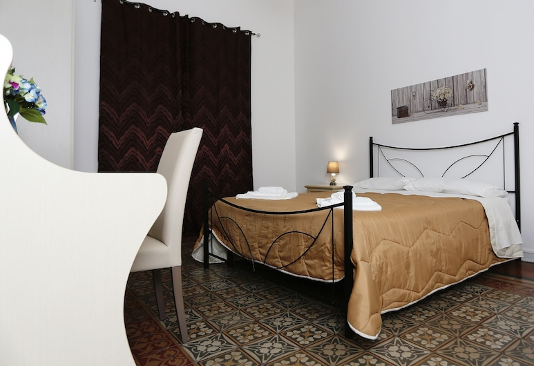 Rest and Go, Palermo, Basic Double Room, Ensuite, Guest Room