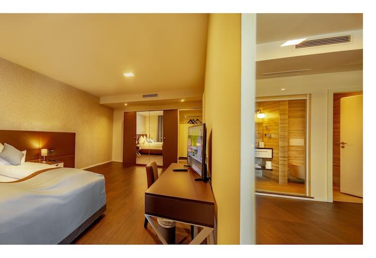 旅程旅館會議套房飯店, 威茲拉