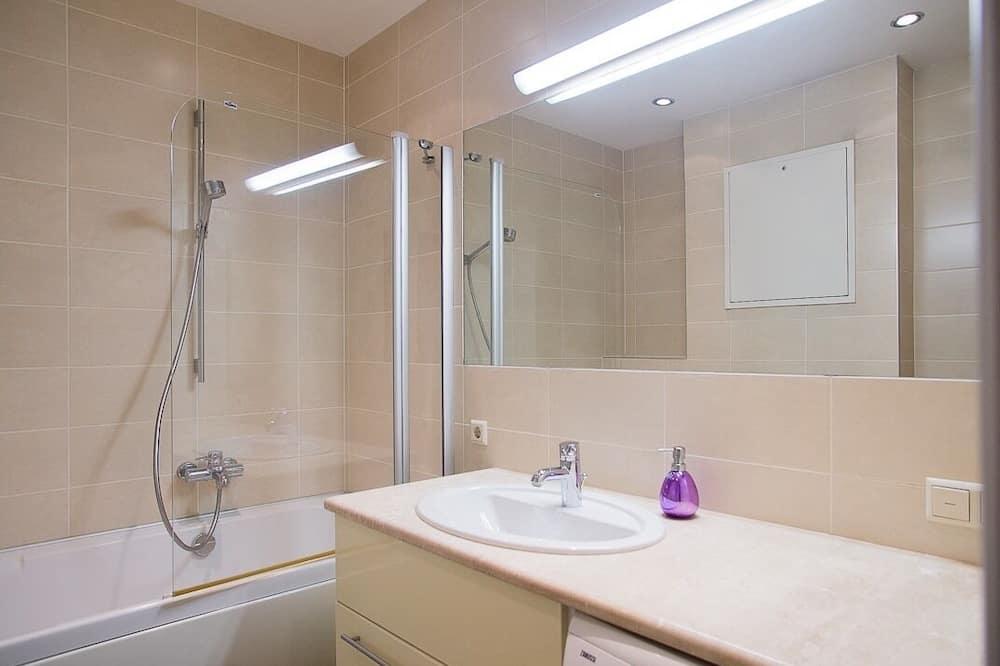 Classic Apartment, Private Bathroom - Bathroom