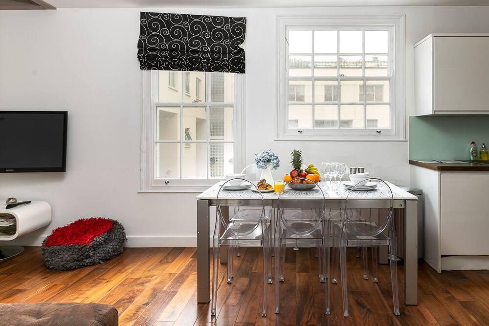 Comfort appartement, 4 slaapkamers, keuken, Uitzicht op de stad - Woonruimte