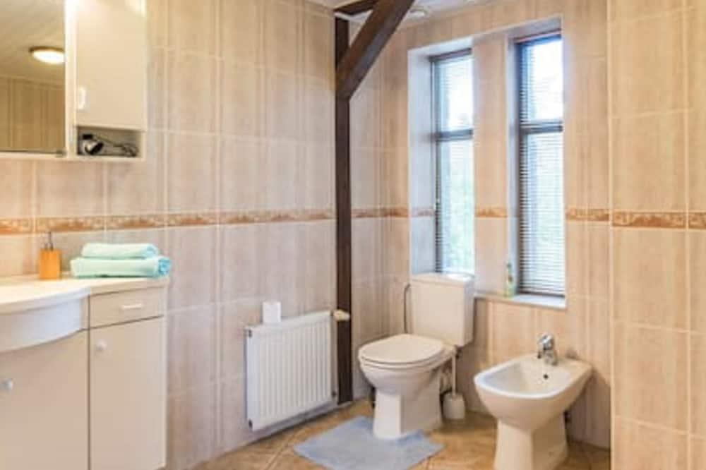 Apartment, Private Bathroom, City View - Bathroom