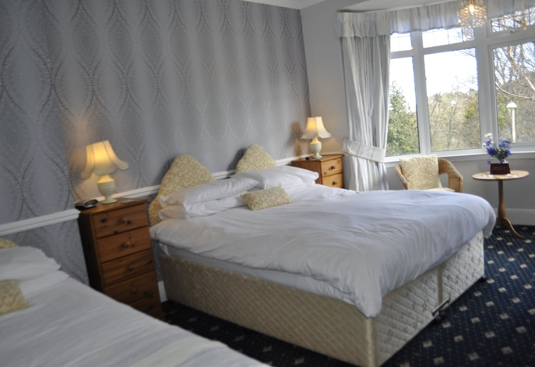The Russell, Scarborough, Twin Room, Guest Room