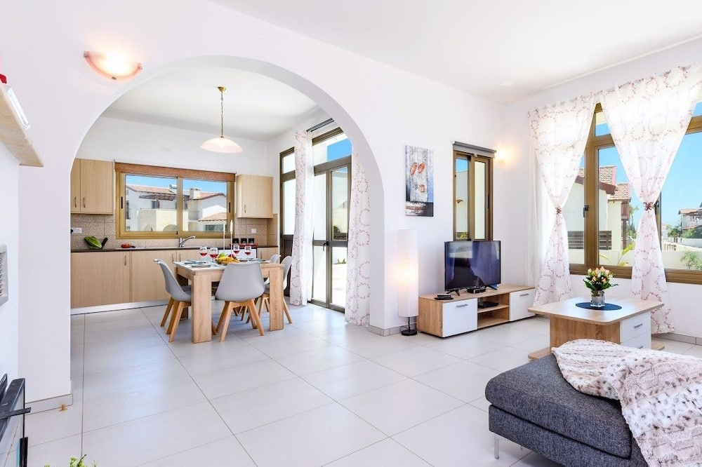 Bungalow, 3 Bedrooms, Private Pool - Living Area