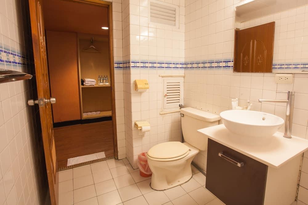 Economy dvokrevetna soba, 1 spavaća soba - Kupaonica