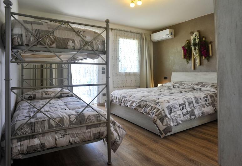 诺尼嘉尔达民宿, 佩斯基耶拉 , 家庭房 (Superior), 客房