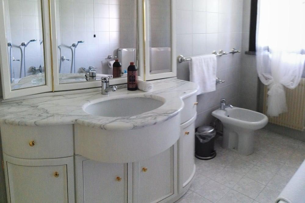 Double Room, Terrace - Bathroom