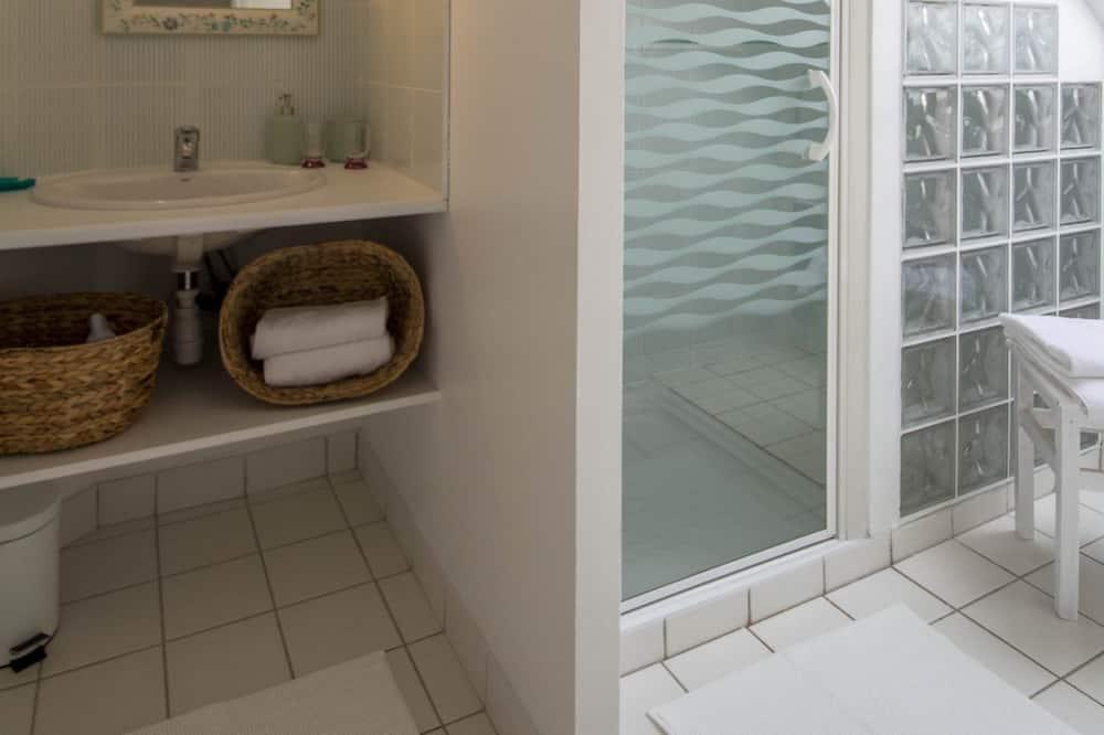 Phòng 3, Có phòng tắm riêng, Quang cảnh vườn (ARGOAT) - Phòng tắm