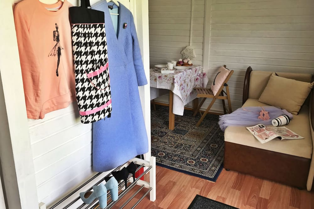 Club Cabin, 1 Bedroom, Kitchenette - Living Room