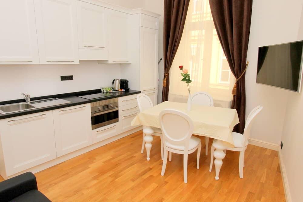Premium-huoneisto (Apartment 4) - Ruokailu omassa huoneessa