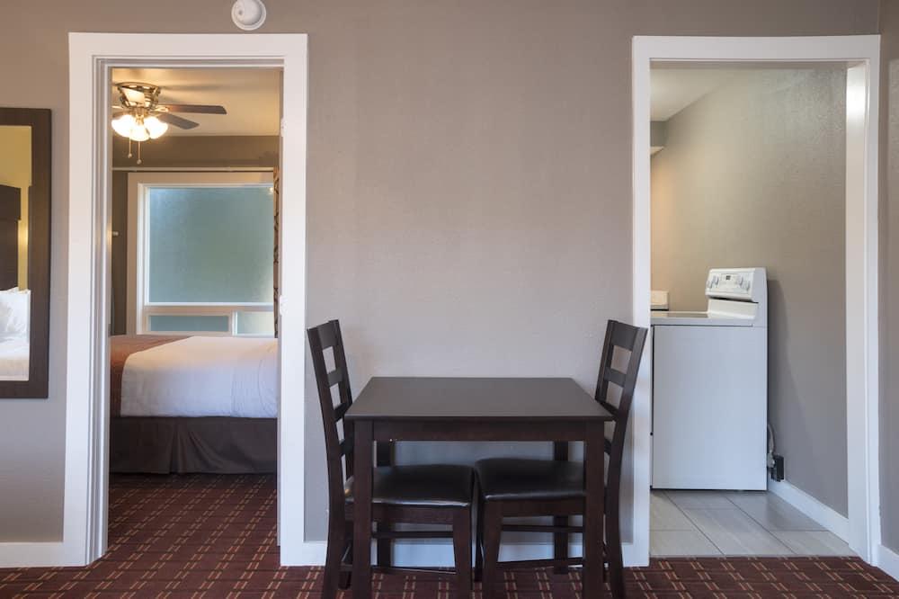 Sviit, 2 magamistoaga - Lõõgastumisala