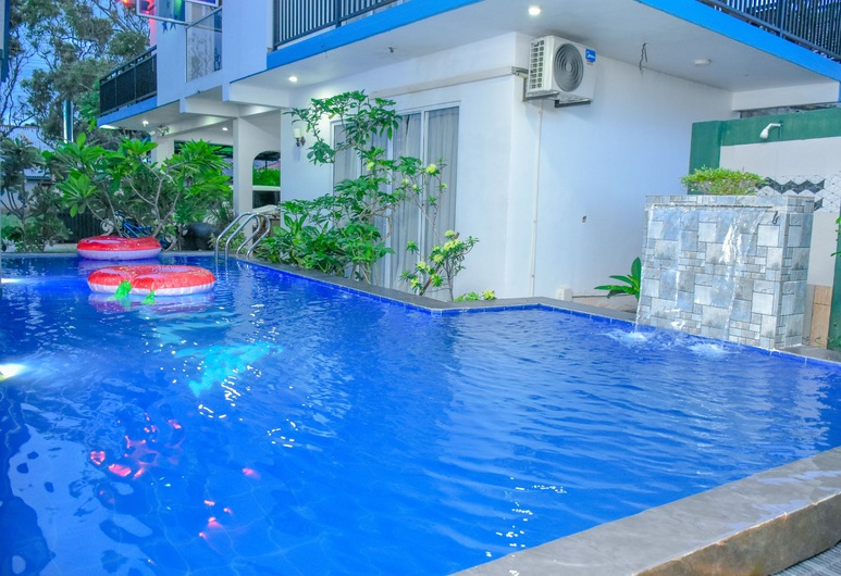Nebula Residence, Negombo, Pool