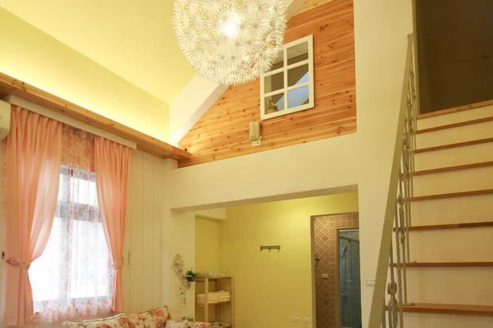 Τετράκλινο Δωμάτιο, Μπανιέρα, Ημιώροφος - Περιοχή καθιστικού