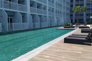 Picture of Breeze Residences Condo in Pasay