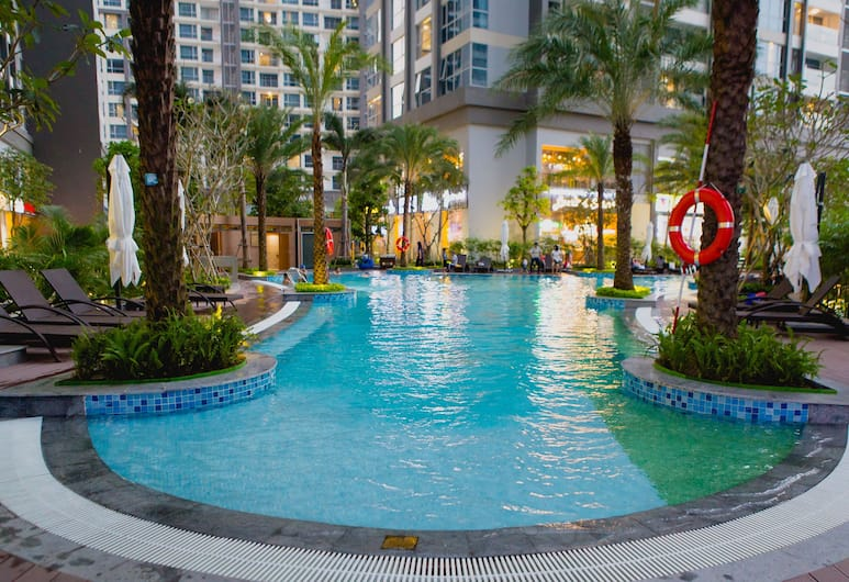 Kim Property Vinhomes Central Park, Ho Chi Minh City, Outdoor Pool
