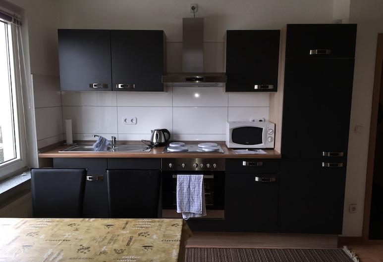 Apartment Am Rathaus, Bochum, Standard Apartment, 2 Bedrooms, City View, Private kitchen