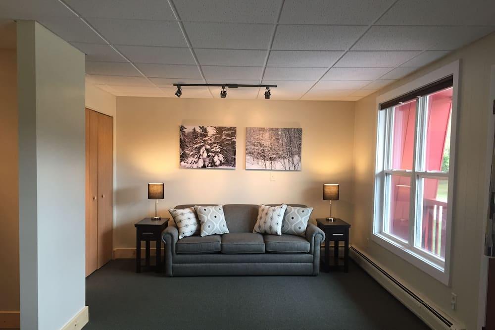 شقة - غرفتا نوم - لغير المدخنين - بمطبخ - غرفة معيشة