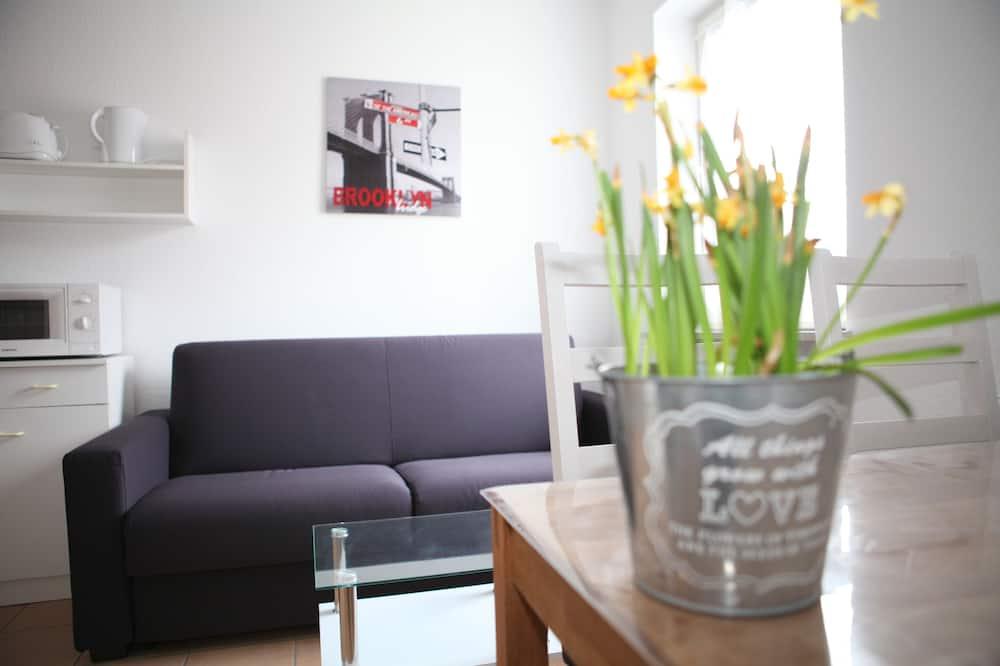 דירה משפחתית, 2 חדרי שינה, נוף לעיר - אזור אוכל בחדר